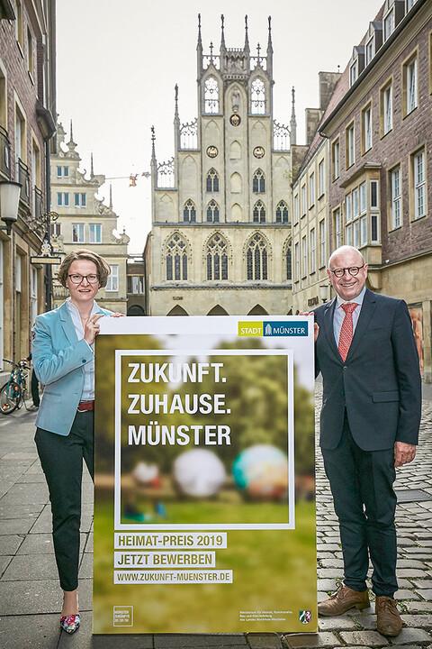 Ina Scharrenbach, Ministerin für Heimat, Kommunales, Bau und Gleichstellung des Landes Nordrhein-Westfalen und OB Markus Lewe (Foto: Presseamt Münster)